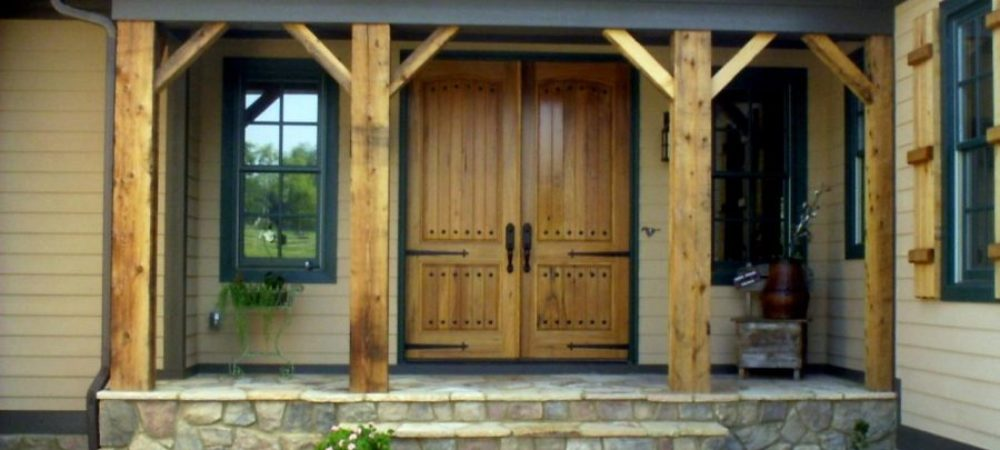 exterior-solid-wood-shutters-900x550
